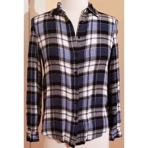 Romeo and Juliet Couture Plaid Flannel Shirt